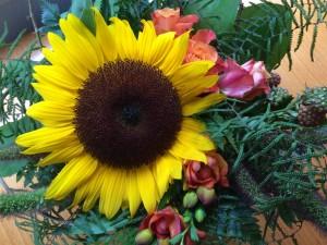 Saimme paljon ihania kukkia ja yllätyslahjoja! Kiitos kaikille!